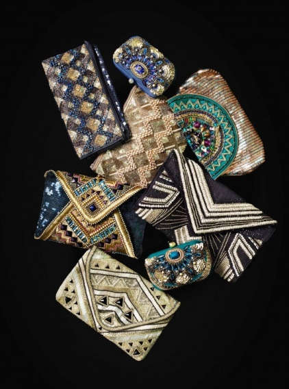When I usually don't have much to drag around with me I love pairing my clothing with these gorgeous clutches. It's so classy! Time to pull out your clutch purses that you hoard away for doomsday.