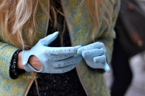 turquoise-gloves